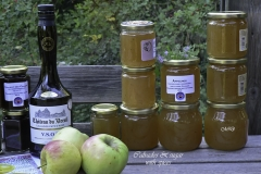 Apple-jam-wall_pots-with-Calvados-bottle-2018_detail-right_photo-M-Dahlin